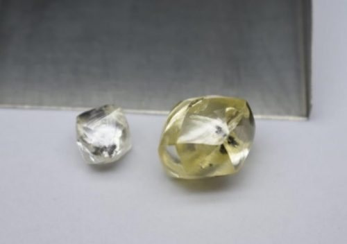 25 carat yellow rough