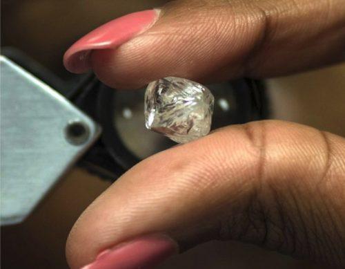 De Beers rough diamond