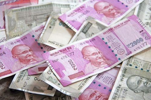 Indian Banks Slash Lending