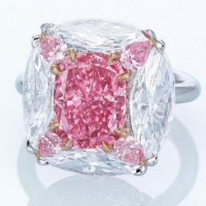 bubble-gum-pink-Diamond-ring