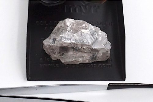 Gem-quality 171 carat white diamond found at Lulo.